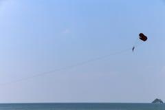 Ακραίος αθλητισμός Parasailing Στοκ φωτογραφία με δικαίωμα ελεύθερης χρήσης