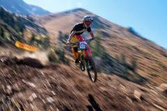 Ακραίος ανταγωνισμός ποδηλάτων βουνών Στοκ φωτογραφία με δικαίωμα ελεύθερης χρήσης