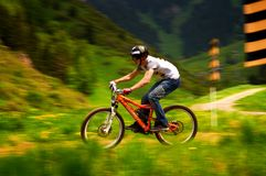 ακραίο βουνό ανταγωνισμού ποδηλάτων Στοκ Εικόνες