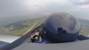 Ακραίο μάθημα στο αεροπλάνο αεριωθούμενων αεροπλάνων, POV επαγγελματικού πειραματικού, σχολείο αεροσκαφών, χόμπι απόθεμα βίντεο