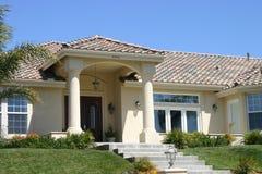 ακριβό σπίτι στοκ φωτογραφία με δικαίωμα ελεύθερης χρήσης