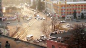 Ακριβώς μετά από το μέρος της πόλης, η άποψη από τη στέγη ενός ουρανοξύστη απόθεμα βίντεο
