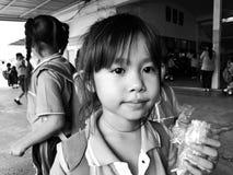 Ακριβώς μικρά παιδιά Tungta στοκ εικόνες
