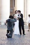 Ακριβώς παντρεμένος - γαμήλιος πυροβολισμός Στοκ φωτογραφίες με δικαίωμα ελεύθερης χρήσης