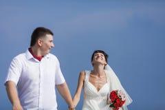 Ακριβώς παντρεμένος στην ημέρα τους το γάμο Στοκ φωτογραφία με δικαίωμα ελεύθερης χρήσης