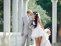 Ακριβώς παντρεμένος στην ημέρα του γάμου τους Στοκ φωτογραφία με δικαίωμα ελεύθερης χρήσης