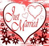 Ακριβώς παντρεμένο υπόβαθρο με τις καρδιές Στοκ εικόνα με δικαίωμα ελεύθερης χρήσης