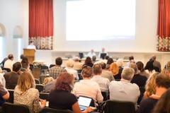 Ακροατήριο στη αίθουσα συνδιαλέξεων Στοκ εικόνες με δικαίωμα ελεύθερης χρήσης