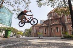 Ακροβάτης BMX στο Ho Chi Minh, Βιετνάμ Στοκ Εικόνες