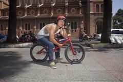 Ακροβάτης BMX στο Ho Chi Minh, Βιετνάμ Στοκ Φωτογραφία
