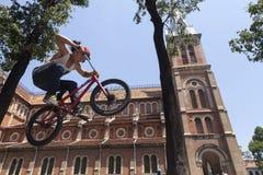 Ακροβάτης BMX στο Ho Chi Minh, Βιετνάμ Στοκ Φωτογραφίες