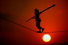 ακροβατική αιώρα ηλιοβασιλέματος Στοκ Φωτογραφία