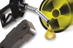 Ακροφύσιο, ανθρακόπλινθος και πυρηνικό σύμβολο Στοκ εικόνα με δικαίωμα ελεύθερης χρήσης