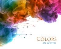 Ακρυλικά χρώματα και μελάνι στο νερό αφηρημένη ανασκόπηση στοκ φωτογραφίες