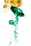Ακρυλικά χρώματα και μελάνι στο νερό στοκ εικόνα με δικαίωμα ελεύθερης χρήσης