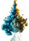 Ακρυλικά χρώματα και μελάνι στο νερό στοκ φωτογραφία με δικαίωμα ελεύθερης χρήσης