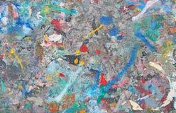 Ακρυλικό χρώμα παφλασμών στον ξύλινο πίνακα Στοκ εικόνα με δικαίωμα ελεύθερης χρήσης