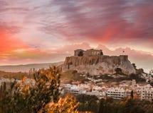 Ακρόπολη με το ναό Parthenon ενάντια στο ηλιοβασίλεμα στην Αθήνα, Ελλάδα Στοκ Εικόνα