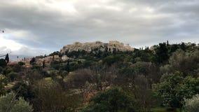 Ακρόπολη της Αθήνας πάνω από το λόφο απόθεμα βίντεο