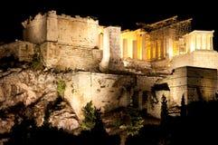 Ακρόπολη της Αθήνας τη νύχτα. Άποψη από το λόφο Areopagus. Στοκ φωτογραφία με δικαίωμα ελεύθερης χρήσης