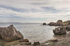 Ακτή επί του πεσμένου τόπου βράχων στο Glen Sannox σε Arran στη Σκωτία Στοκ Εικόνα