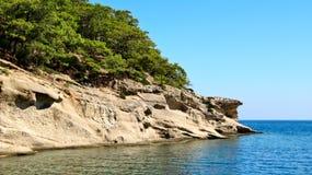 Ακτή κοντά στην πόλη Kemer στην Τουρκία Στοκ φωτογραφία με δικαίωμα ελεύθερης χρήσης