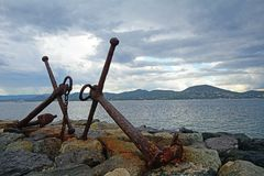 Ακτή με τις άγκυρες, ST Tropez, Κάννες στοκ εικόνες