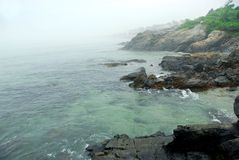 ακτή ομιχλώδες Maine Στοκ φωτογραφία με δικαίωμα ελεύθερης χρήσης