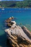 ακτή πέρα από τη θάλασσα Στοκ Εικόνες