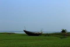 Ακτή ποταμών Στοκ φωτογραφία με δικαίωμα ελεύθερης χρήσης