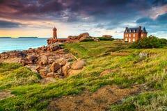 Ακτή του Ατλαντικού Ωκεανού στην περιοχή της Βρετάνης, Ploumanach, Γαλλία, Ευρώπη Στοκ εικόνα με δικαίωμα ελεύθερης χρήσης
