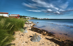 Ακτή του νορβηγικού νησιού στοκ φωτογραφία