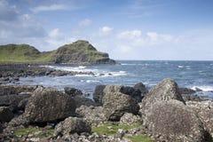 Ακτή υπερυψωμένων μονοπατιών γιγάντων, κομητεία  Antrim Στοκ εικόνες με δικαίωμα ελεύθερης χρήσης