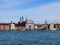 Ακτή χαιρετισμού της Βενετίας από τη θάλασσα Στοκ εικόνα με δικαίωμα ελεύθερης χρήσης
