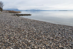 Ακτή Garda λιμνών κατά τη διάρκεια του χειμώνα Στοκ Εικόνες