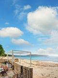 Ακτή Mugoni κάτω από έναν νεφελώδη ουρανό Στοκ Φωτογραφία