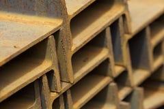 Ακτίνα σχεδιαγράμματος μετάλλων στα πακέτα στην αποθήκη εμπορευμάτων των προϊόντων μετάλλων Στοκ εικόνα με δικαίωμα ελεύθερης χρήσης