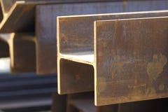 Ακτίνα σχεδιαγράμματος μετάλλων στα πακέτα στην αποθήκη εμπορευμάτων των προϊόντων μετάλλων Στοκ Εικόνα