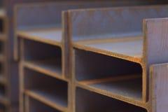 Ακτίνα σχεδιαγράμματος μετάλλων στα πακέτα στην αποθήκη εμπορευμάτων των προϊόντων μετάλλων Στοκ Φωτογραφίες