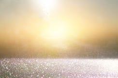 Ακτινοβολήστε εκλεκτής ποιότητας υπόβαθρο φω'των χρυσός, ασήμι και ο Μαύρος defoc Στοκ φωτογραφία με δικαίωμα ελεύθερης χρήσης