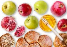 Ακόμα άποψη ζωής άνωθεν - challah, μήλα, ρόδι και BO Στοκ Εικόνες