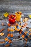 Ακόμα ζωή εποχιακή και έννοια διακοπών θερμαμένο Χριστούγεννα κ&r Στοκ εικόνα με δικαίωμα ελεύθερης χρήσης