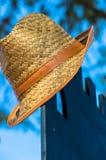 Ακόμα ζωή: καπέλο αχύρου Στοκ Εικόνες