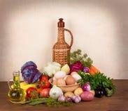Ακόμα ζωή με τα αυγά και τα λαχανικά Στοκ φωτογραφία με δικαίωμα ελεύθερης χρήσης