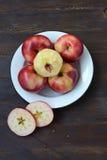 Ακόμα ζωή με τα κόκκινα μήλα Στοκ Εικόνες
