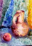 ακόμα Κανάτα και μήλο σε ένα ζωηρόχρωμο υπόβαθρο Στοκ Φωτογραφίες