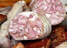 Ακόμα κρέας και λουκάνικο στοκ φωτογραφίες