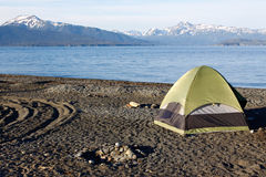 Αλάσκα - Όμηρος Spit Tent Camping Στοκ φωτογραφία με δικαίωμα ελεύθερης χρήσης