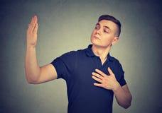 Αλαζονικό υπεροπτικό άτομο Ανθρώπινη έκφραση του προσώπου συγκίνησης Στοκ Εικόνες