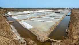 Αλατισμένα επίπεδα του Ταβίρα, περιοχή Faro, Αλγκάρβε στοκ εικόνες